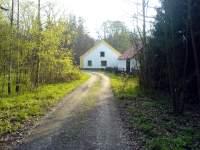 Půvabné staré romantické jihočeské stavení nedaleko Rozvodí