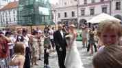 Petruška a František na náměstí v Třeboni, svatba 2008